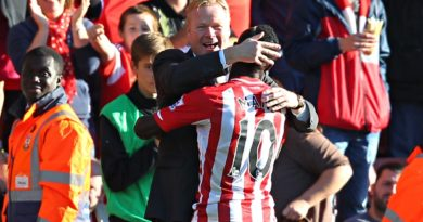 Southampton's manager, Ronald Koeman, embraces Sadio Mané after the striker scored against Stoke.