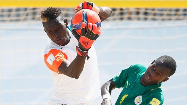 veillee-darmes-pour-le-beach-soccer-africain