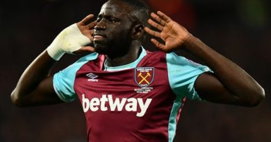 west-ham-de-kouyate-sort-chelsea