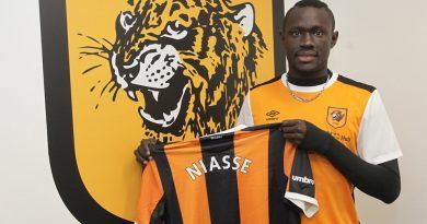 Baye Oumar Niasse rejoint Hull City en prêt jusqu'à la fin de saison