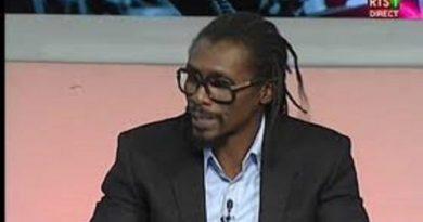 Aliou Cissé s'énerve sur le plateau de la Rts et s'en prend au journaliste Pape B. B. Ndiaye