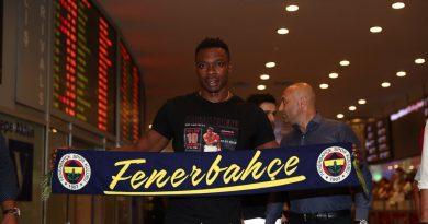 Carlos Kameni s'engage 3 ans avec le Fenerbahçe