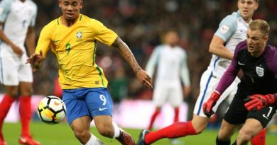 l'Angleterre et le Brésil dos à dos à Wembley