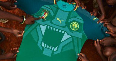 mhd_et_roger_milla_presentent_le_nouveau_maillot_domicile_du_cameroun