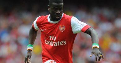 Arsenal prêt aussi à aider Emmnanuel Eboué
