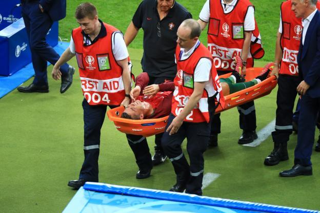 Cristiano Ronaldo quitte la finale de l'Euro