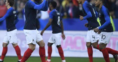 giroud fier d'avoir rejoint deux légendes du foot français