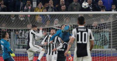 Ronaldo va marquer d'un superbe retourné