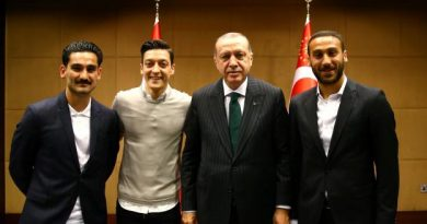 Ilkay Gundogan et Mesut Ozil