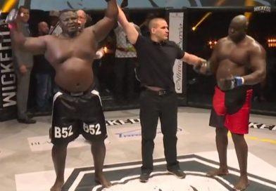 Vidéo – Lutte : Bombardier Bombarde Rocky Balboa de coups et le met KO !