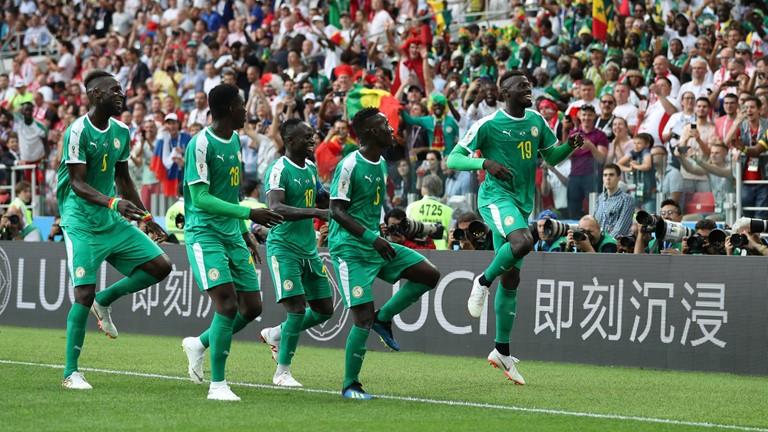 celebration mbaye niang mondial 2018 pologne