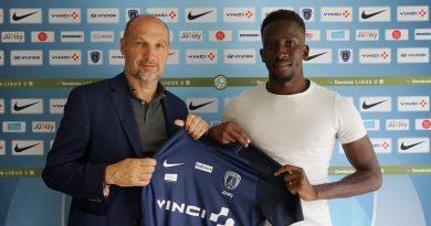 L'attaquant Adama Sarr (27 ans) s'est engagé pour les deux prochaines saisons avec le Paris FC