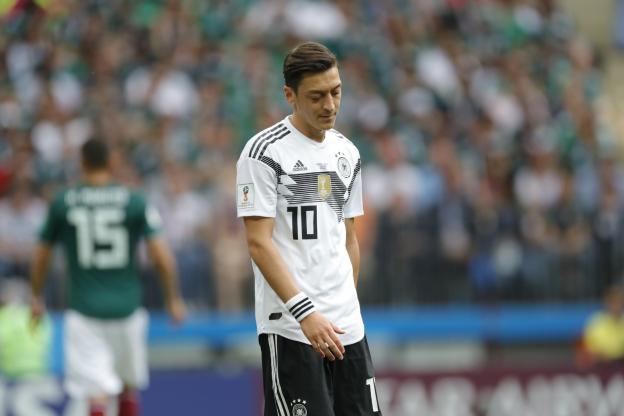 Officiel : Mesut Özil annonce qu'il ne jouera plus pour l'Allemagne