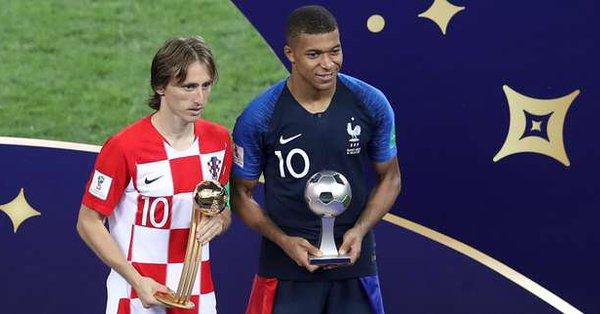 le Croate Luka Modric élu meilleur joueur, Kylian Mbappé meilleur jeune