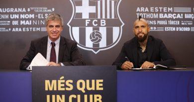 Arturo Vidal s'engage officiellement au Barça