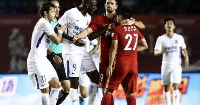 Demba Ba insulté par un adversaire en Chine
