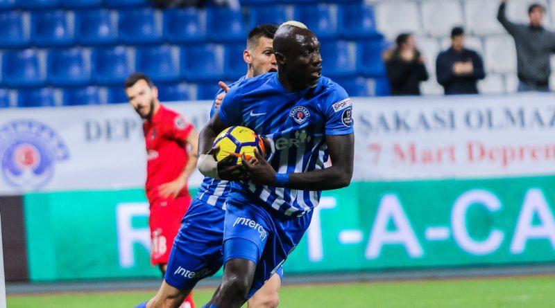 Mbaye Diagne inscrit un doublé