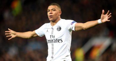 1er joueur français à compter 19 buts après seulement 18 matches