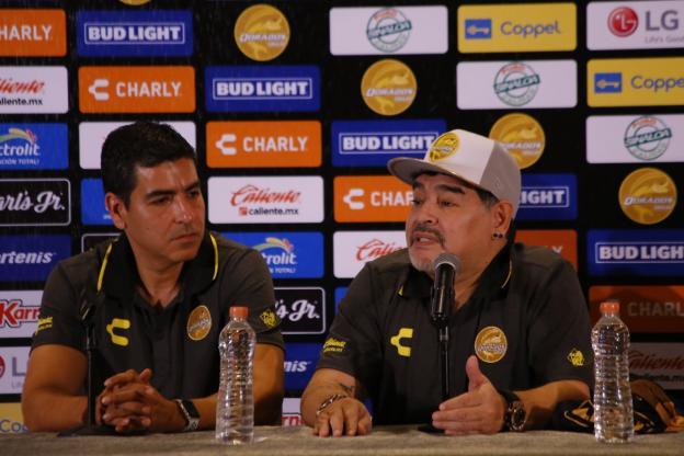 Diego Maradona affiche un soutien sans complexe à Nicolas Maduro
