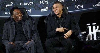 Rencontre au sommet entre Pelé et Kylian Mbappé lors d'un évenement publicitaire