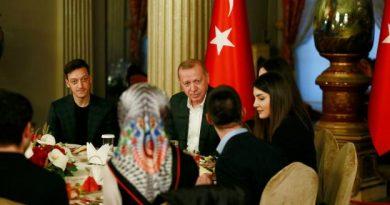 Mesut Özil a partagé un dîner avec le président turc Recep Tayyip Erdogan