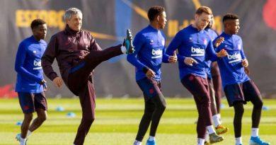 Quique Setien lors d'un entraînement du Barça