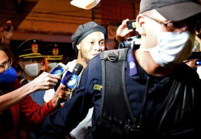 Vidéo : Ronaldinho déchaîne les foules à sa sortie de prison