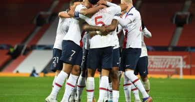 Paris win at Old Trafford for second time