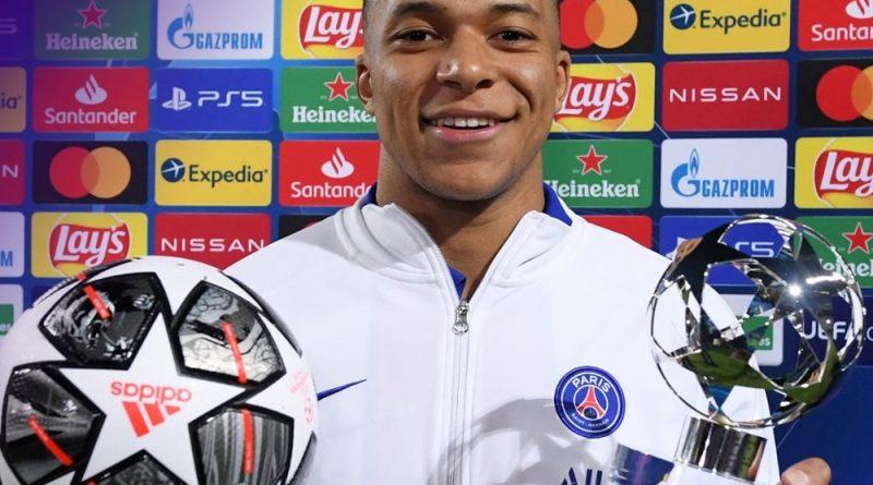 trophée d'homme du match pour Kylian Mbappé